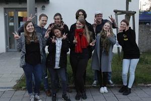 Ein Gruppenfoto der FSI vor dem Lehrstuhl 2017.
