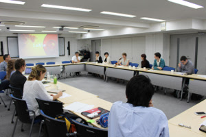 "Zum Artikel ""Workshop in Tokyo, Tokyo Universität    ""The Fate of the Fact in the post-secular Era"""""