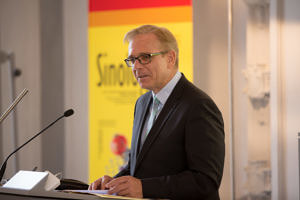 Ministerialrat Robert Gruber vom bayerischen Staatsministerium für Bildung und Kultus, Wissenschaft und Kunst.