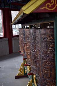 Schwere Bronzeglocken in einer chinesischen Tempelanlage.