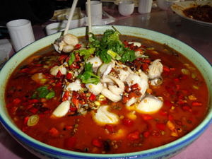 Shui zhu yu 水煮魚, ein chinesisches Fischgericht.