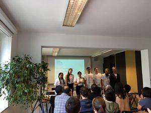 Die Theatergruppe Sonnenstrahl nach einer Aufführung im Konfuzius-Institut in Frankfurt.