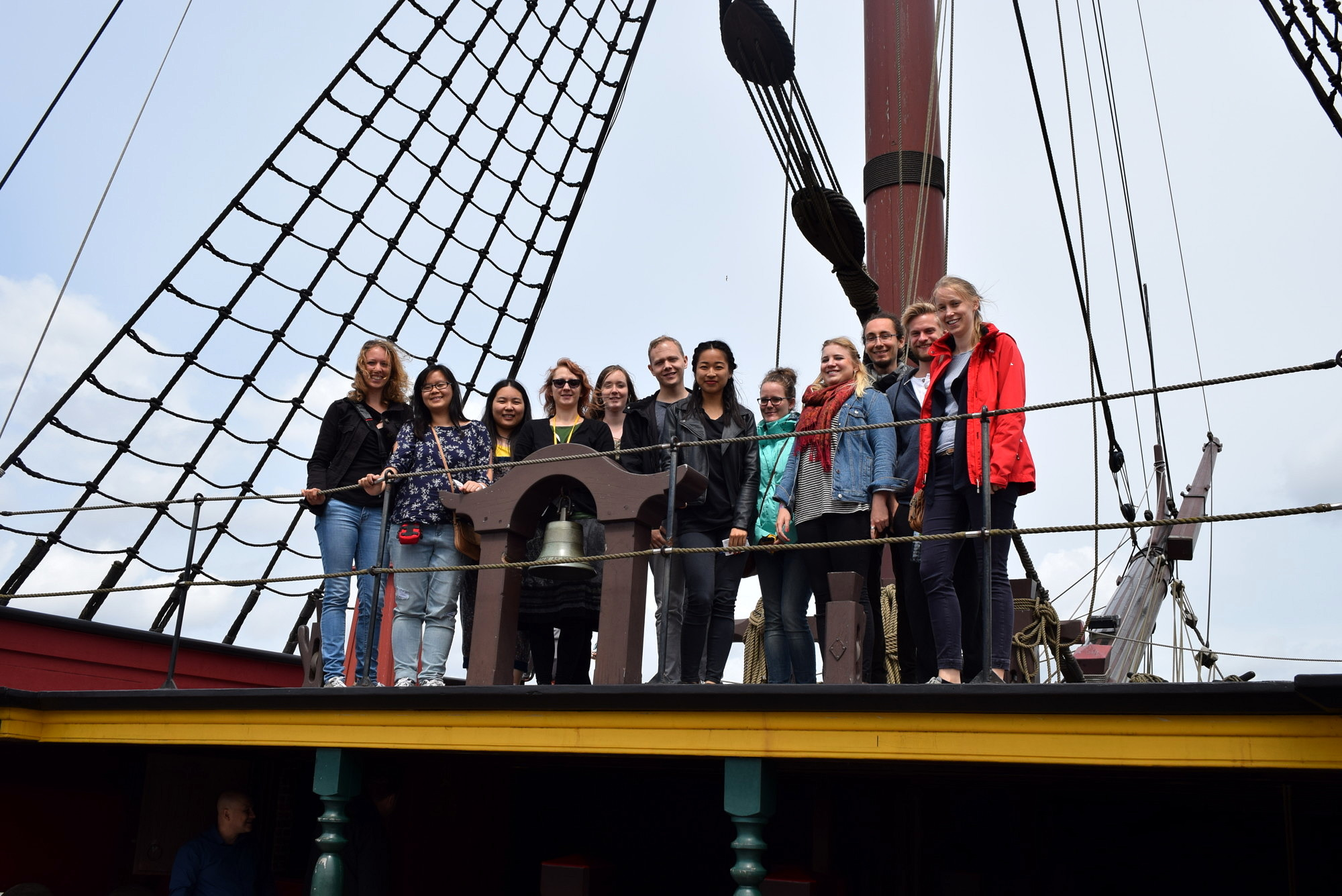 Gruppengfoto der ExkursionsteilnehmerInnen der Exkursion nach Leiden 2018 im Schiffahrtsmuseum.